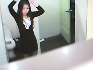 Amateur Asian  Teen Toilet