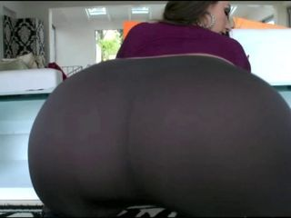 "Adorable Big Ass White Girl In Tight Pants Fucking BBC!!!"" target=""_blank"