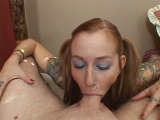 Dirty slut Scarlett Pain throatfucks a huge ramrod