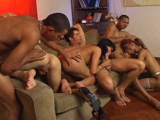 Hot Group Orgy With Three Shemal...
