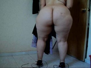 46-211- BIG Tuchis DRESSED - UNDRESSED