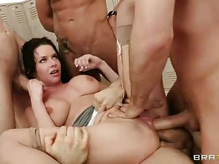 Big Titted Reporter Veronica Avl...