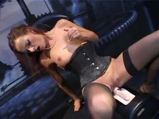 Staggering unshaded on every side a nasty cunt riding a sybian