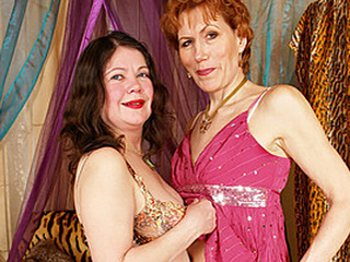 Lesbo Granny Yara Serviced By Hot Rebecca