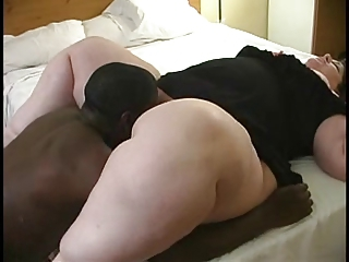 Amateur BBW Interracial Licking