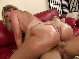 Big Assed Briella Bounce Rides Her Pussy On A Hard Cock