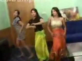 Pakistani Teens Dancing