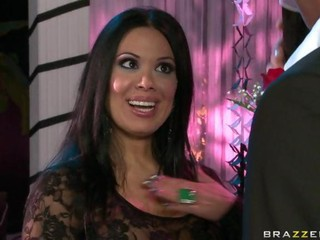 Brazzers Mommy Got Boobs Sienna...