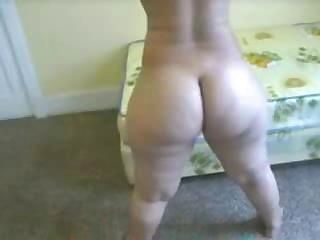 Guy shoots home video while fucking really huge ebony ass
