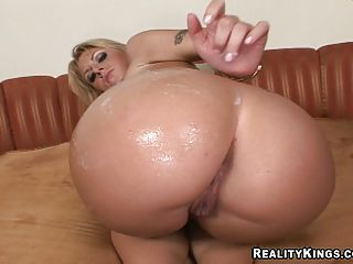 Velicity Von gets sprayed with hot load of cum on her big ass
