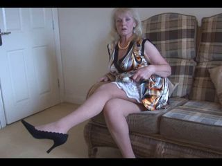 Lovely mature upskirt...