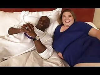 Black man plows the BBW mom pussy