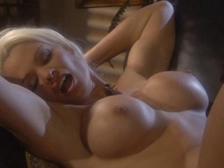 Super Hot MILF Rhylee Richards 4