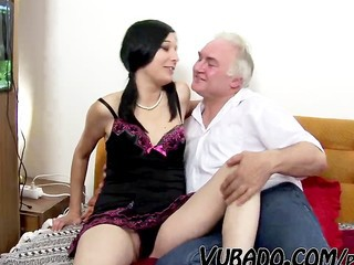 TEEN GETS FUCK BY MATURE ON...