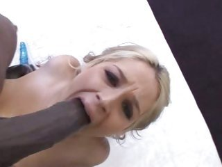 Sarah Vandella slobbers on...