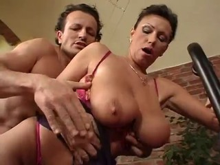 PERFECT  MATURE SLUT