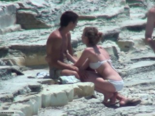 "shy couple fuking on the beach!"" target=""_blank"