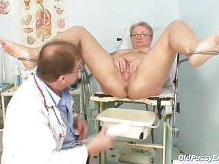 Fat Mature Radka Gets Real Speculum Exam By Kinky Gyno