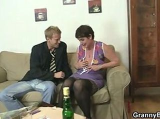 Hot sex with slutty granny _: grannies matures old+young