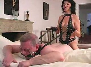 Amateur domina strapon old pervert