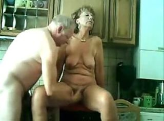 Grannyma coupled with grandpa kitchen sex