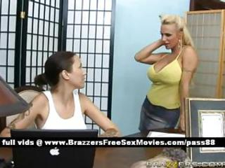 Super big-busted blonde babe goes handy a kneading parlor where she gets a kneading