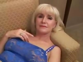 Beautifull Granny back hot sex