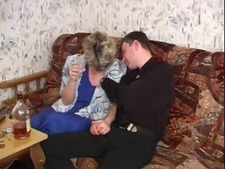 RUSSIAN MOM 19 mature round a young beggar