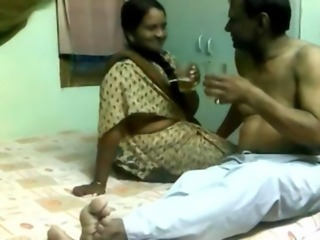 Indian Pune boss fucks his mature wench