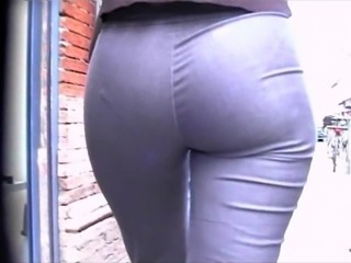 Candid Arse in Jeans 01 (+slow motion)