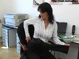 49 years Busines woman masturbates in my office