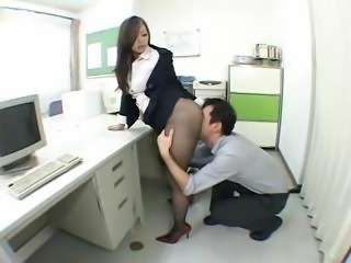 Nympho Japanese office girl drives the brush horny boss' dick in the brush cunt