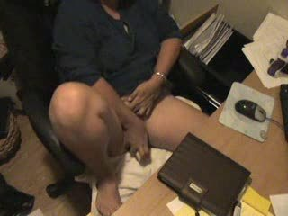 Spy cam blustery my mom masturbating at computer