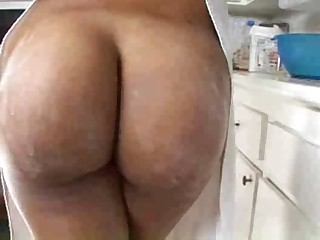 Milf's Big oiled Ass ...F70