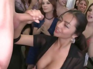 Crazy party girls 001
