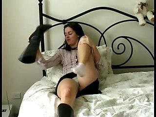 She masturbates at hand orgasm! - Amateur sex video -