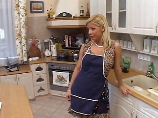 Housewife Fantasy Sandra - Hardcore sexual relations video -