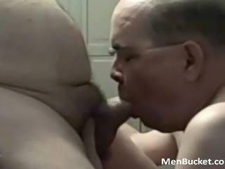 dudes sucking on be imparted to murder leather pipe