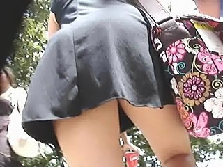 LOVELY THONG UPSKIRT OF A LOVELY AMERICAN COLLEGE GAL