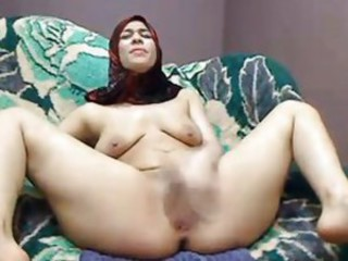 Amateur Arab Mature SaggyTits