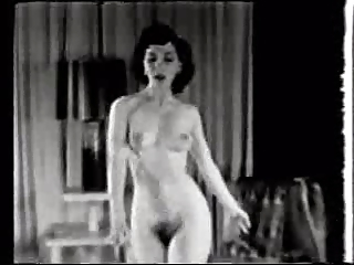 1950s Bare Babe Dances &amp,amp, Smokes