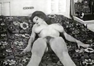 vintage milf mommys from the 102s try big scoops