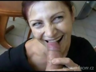Amateur Blasen Bar Küche Reife Mutter Pov