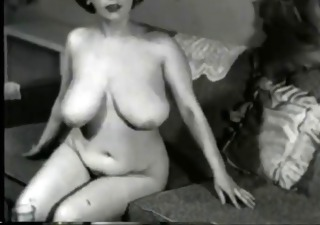busty vintage mother i