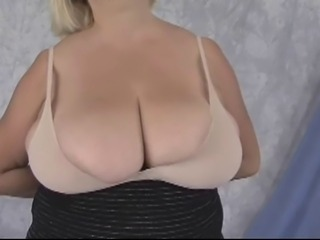 BBW-Granny down Huge Boobs - Posing