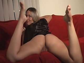 Bare legs and ass jerk off instructions JOI