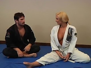 Gym instructor Manuel Ferrara screws Phoenix Marie