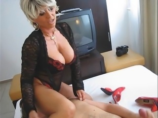 Best Mature makes Handjob