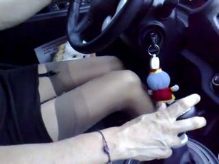 Get hitched driving a car while husband&'s friend see his leg