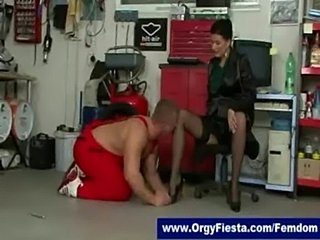 Glamorous mistresses gets pussy licked by submissive car mec free